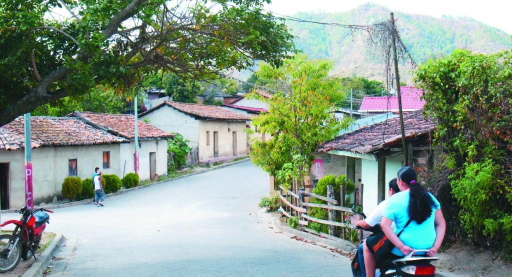 Managua 15 de marzo del 2014. Familia de San Fernando y Salamaji. Entre primos y parientes el amor es mas ardiente. Foto: Uriel Molina/LAPRENSA