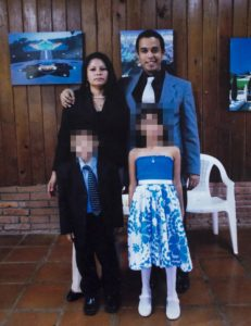 Saraliz González Mena, sus hijos Alí y Jazmín, y José Vílchez, exesposo, padre y femicida. Foto: Jader Flores/LA PRENSA