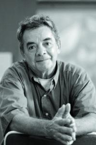 Orlando Sobalvarro, artista plastico destacado Nicaraguense,posa en palacio de la Cultura con muestra de su autorilla, Managua 18 de Oct del 2006.foto Uriel Molina/LA PRENSA.