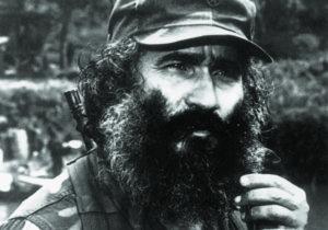 Dice haber peleado en tres guerras y tres guerrillas y sobrevivido a 16 atentados contra su vida.