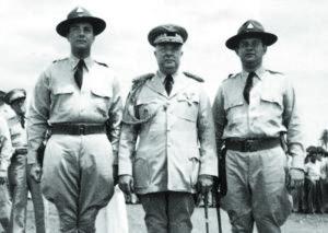 El general Somoza García, juntos a sus hijos Anastasio y Luis Somoza Debayle.