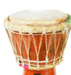 Los tambores originales del Atabal eran de madera y cuero de cabra. Ahora se han reemplazado por tambores modernos.