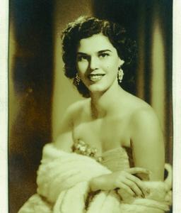 """""""Donde decían Bertha Zambrano había siempre barra por su belleza"""", asegura José Adán Aguerri Hurtado, quien la conoció en los años 40 en Managua y después la encontró en México en el exilio. Foto: Cortesía Marina Gálvez"""