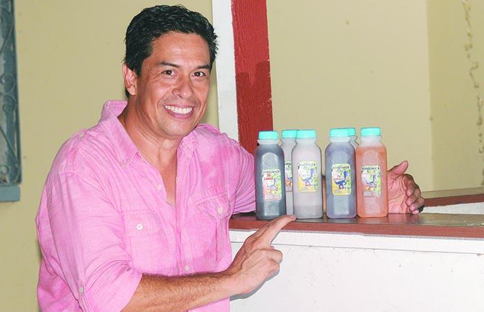 Dino Andino, inició recientemente una empresa familiar