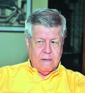 Dr. Bayardo Cuadra, historiador, y cronista deportivo, durante una entrevista en su casa de habitación el 15 de junio, 2011. GERMAN MIRANDA/LA PRENSA