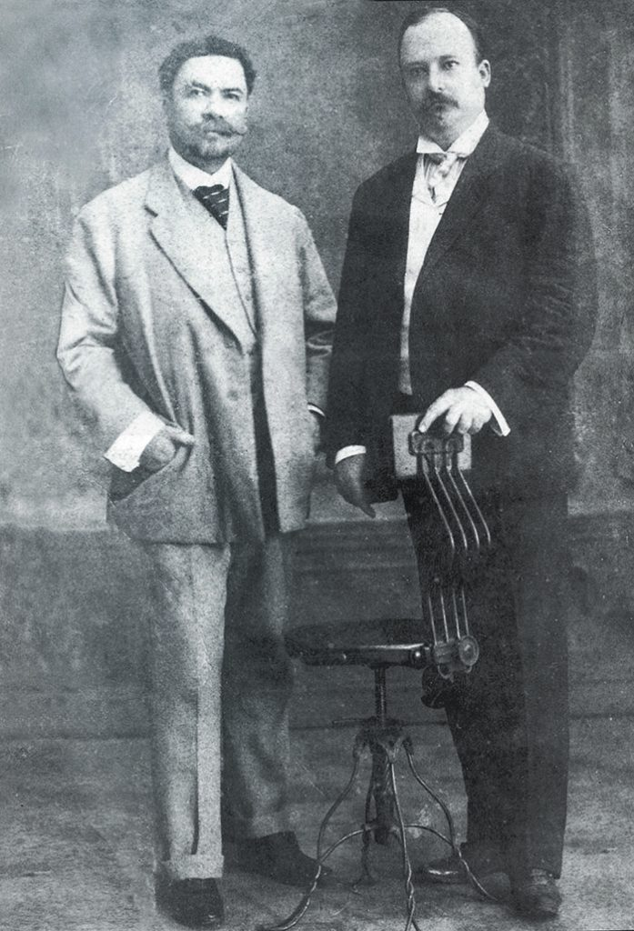 Rubén Darío junto al doctor Luis H. Debayle