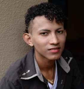 José González, 18 años