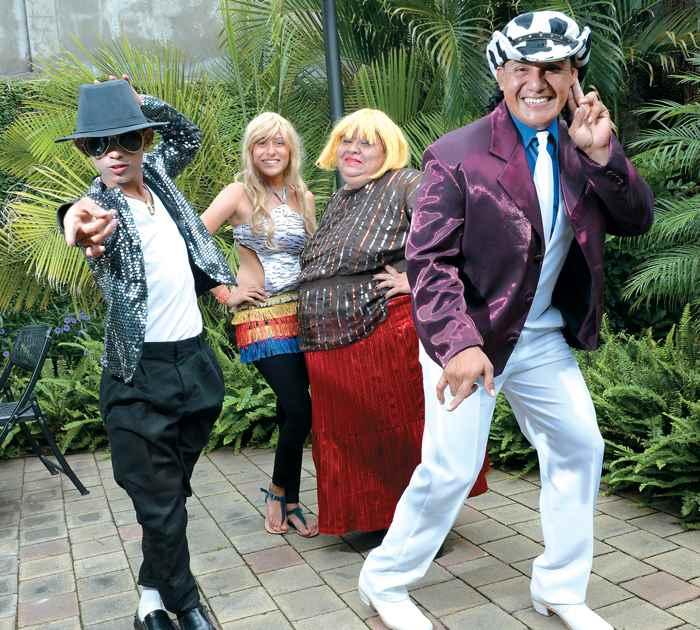 Imitadores Nicaragüenses. Sindy Vanegas, la Shakira; Ruth Gaitán, quien encarna a Paquita la del Barrio y José González, el Michael Jackson nica que también es uno de Los Pimpinela.