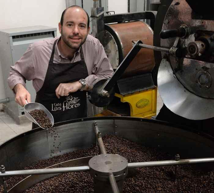 Gian Marco Palazio, Presidente de Cafe Las Flores, Posa en su tostadora de C.Masaya.Foto Uriel Molina/LA PRENSA