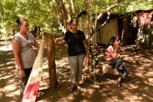 En la foto: Deysi Yolanda, Olga Suyapa y Guadalupe Concepción.