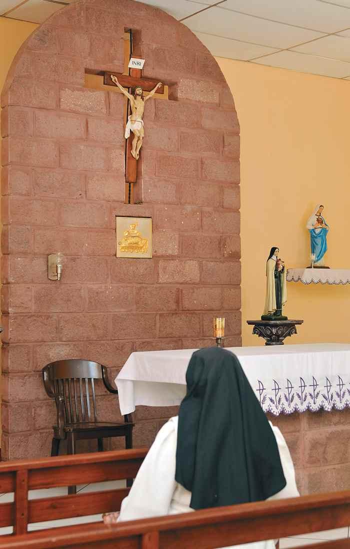 Vida de monjas. Hermanas Clarisas. Magazine