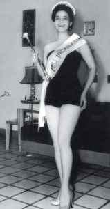 Rosa Argentina Lacayo. en la foto oficial como Miss Nicaragua 1955.