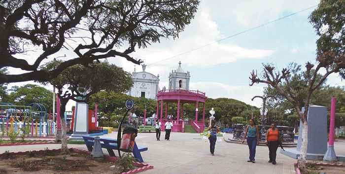 Los rivenses y turistas que visitan el departamento de Rivas, podrán llegar al parque Evaristo Carazo y sentarse a navegar gratis, consultar temas investigativos, ingresar a las redes sociales y acceder al ciberespacio sin ningún costo, ni limitación. LA PRENSA / R. VILLARREAL