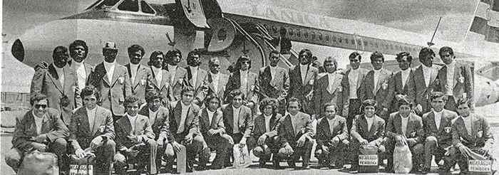 En la imagen, atletas de la Selección de Futbol, Boxeo, Levantamiento de Pesas y Atletismo. Fotografía del Archivo Familia Cuadra Serrano.