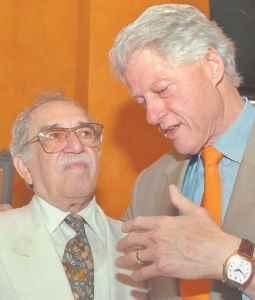 Gabriel García Márquez y Bill Clinton (AP Foto / César Carrión, SNE)