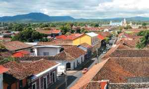 Casas antiguas. Granada y León. Magazine.