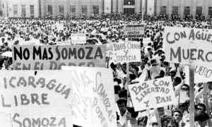 Manifestacion del 22 de enero de 1967 contra el gobierno de Anastacio Somoza y que termino en una masacre en las calles de Managua. Archivo/LA PRENSA