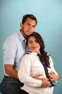 Andrea Castillo Moreno con su esposo, el piloto Danny Barrera