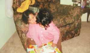 Jugar, pelear, volver a jugar. Como todos los niños, esa era la dinámica de relación de las hermanas.
