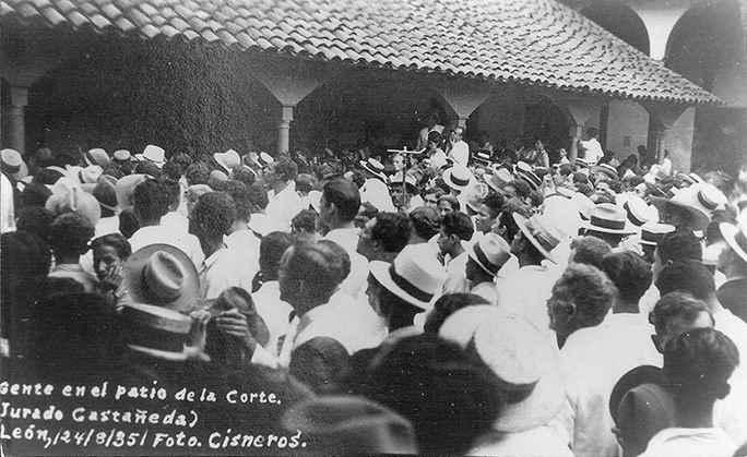 El pueblo que apoyaba a Castañeda
