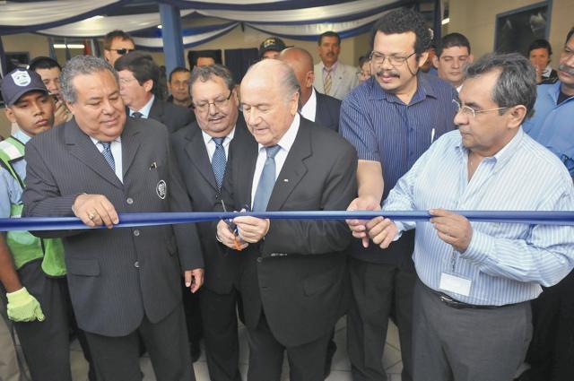 Joseph Blatter, expresidente de la Fifa, vino dos veces a Nicaragua por gestión de Julio Rocha, a quien señalan de ser su operador en la región.