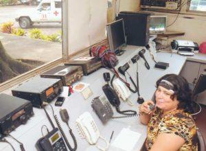 Aproximadamente solo 2 de cada 100 llamadas que recibe la Cruz Roja son emergencias reales. Genoveva Ruiz lleva más de 20 años atendiendo esta línea.