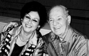 Su segunda y actual esposa, Carmen Isabel Recalde de Amador. Ellos se casaron el 7 de septiembre de 1985. Ella fue reina nacional de belleza y ambos eran viudos cuando se conocieron.