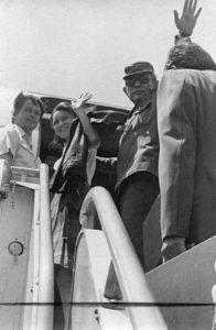 Viajó a Rusia en compañía del comandante Tomás Borge donde le realizaron otra intervención y le dieron una prótesis de brazo. Foto Cortesía del IHNCA.