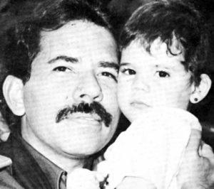P ara 1990 Camila Ortega fue una de las imágenes principales de la campaña de su padre. Para ese entonces tenía tres años.