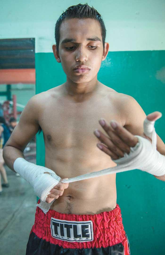 Melvin López, boxeador nicaragüense.