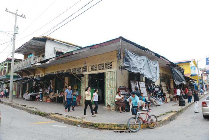 Francisco Quant y su tienda