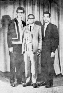 Carlos Fonseca con el profesor Edelberto Torres y Víctor Tirado López.