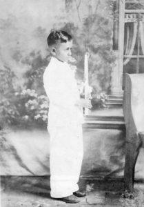 Carlos Fonseca Amador el día de su primera comunión.