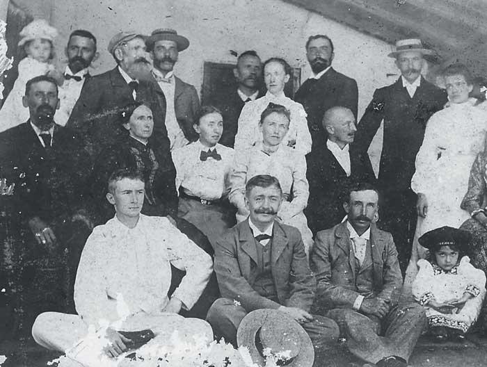 Para guardar su cultura y raíces, los extranjeros organizaban clubes