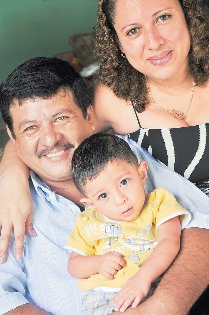 Fotos de Miguel Lorío, Guillermo Flores y Manuel Esquivel