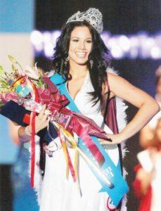Cristiana Frixione cuando ganó el concurso de World Miss University en Seoul, Korea, en 2007.