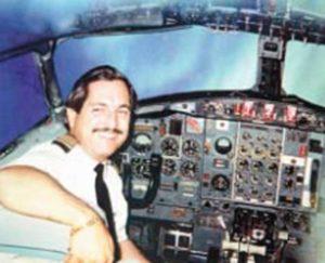 A los largo de su carrera ha trabajado en 26 líneas aéreas