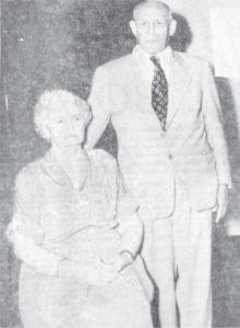 Emiliano Chamorro se enamoró de su primera esposa, Lastenia Enríquez, mientras paseaba en una chichería de Granada, con su anterior prometida. Se casó a los 29 años, pero nunca tuvo hijos.