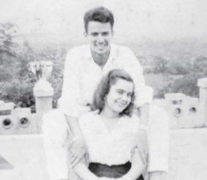 Cuando eran novios. Guillermo Rothschuh Tablada junto a María Elba Villanueva.