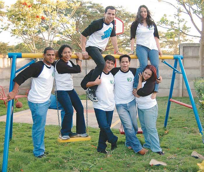 Fotos de Guillermo Flores y Archivo de Puntos de Encuentro