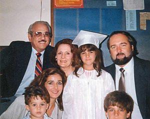 Vivian Fernández junto a su esposo Carlos Pellas, sus hijos y sus padres, José Fernández de la Torre y Lidia García.