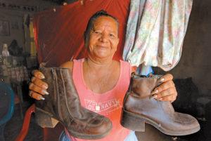 Filomena Mena no ha dejado de usar botas desde que montó por primera vez.