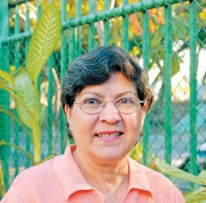 Doña Verónica de Gutiérrez, presidenta de la Asociación de Nicaragüenses.