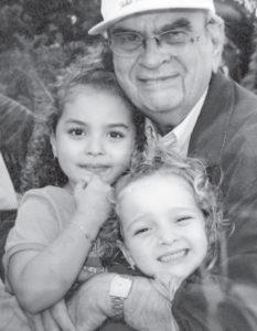 Una foto reciente con sus nietas María Dolores y Javiera Gadea Alemán, nietas también del expresidente Arnoldo Alemán.