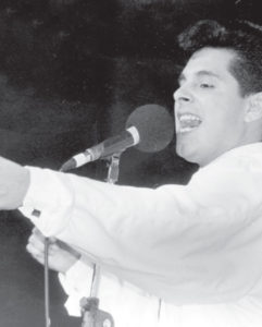 En 1993 Gutiérrez representó a Nicaragua en el festival OTI de la Canción en Valencia, España.