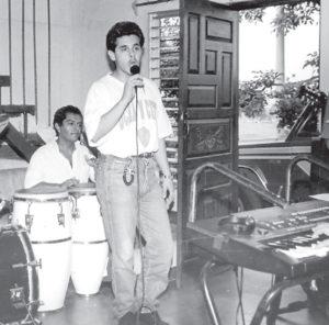 Hace aproximadamente quince años que Gutiérrez no pisa un escenario artístico.