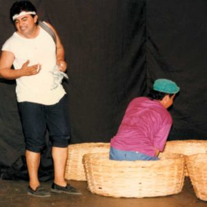 Participando en Cantos de Amor y Violencia. 1995