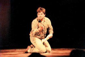 Actuando en Finlandia, en 1992.