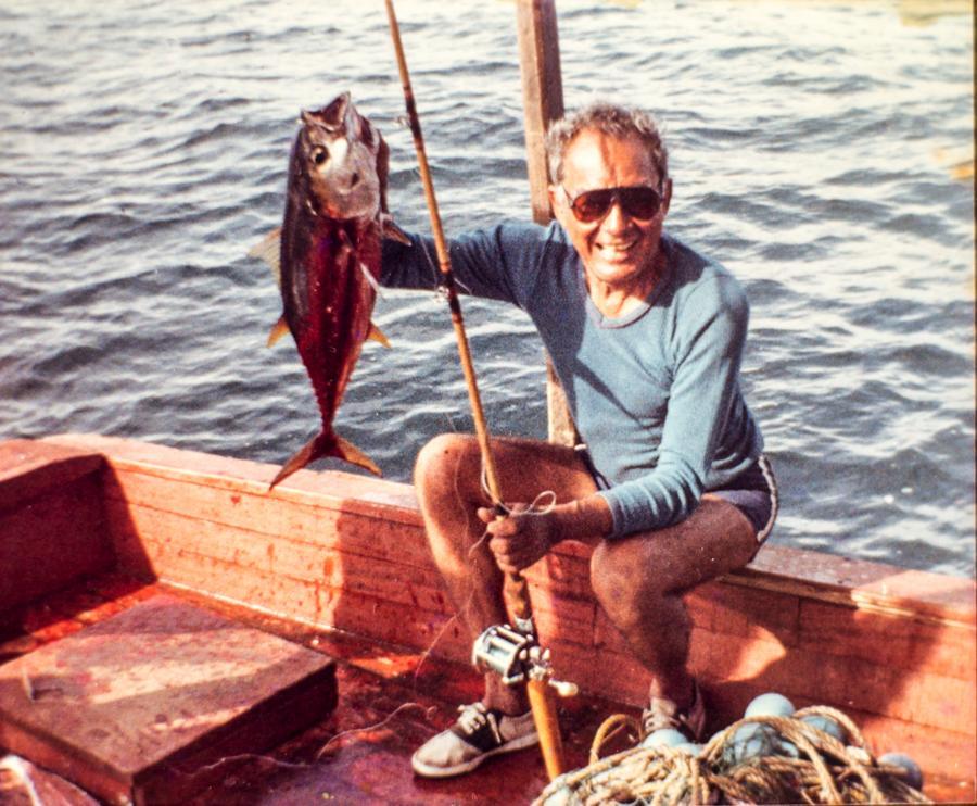La pesca y la natación fueron sus pasatiempos. Le encantaba pescar y el mar es de sus lugares favoritos. Foto cortesía familia Granera Soto.