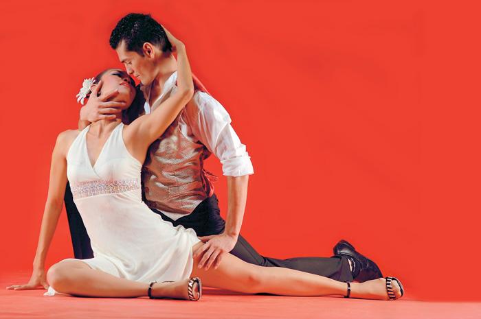 Karen Montiel y Carlos Vallecillo del Ballet Folclórico Quetzaltnáhualt.